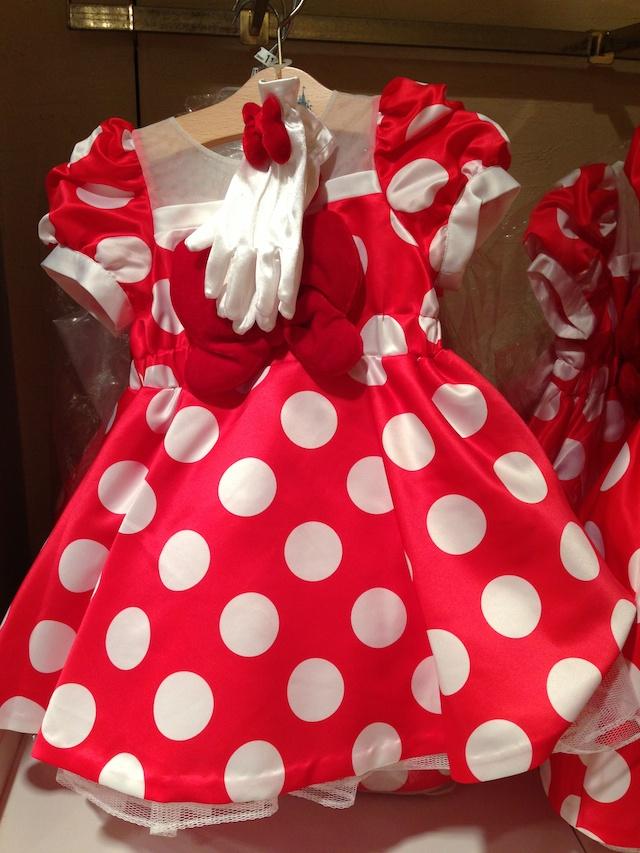 ミニーちゃんの子供用ドレスが11000円→7800円になっています