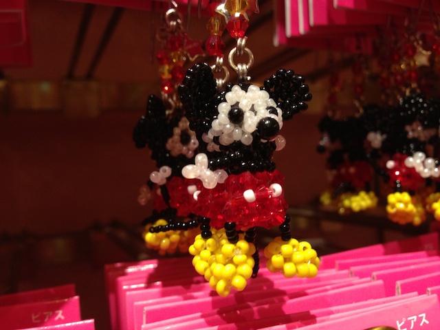ミッキーマウスのピアスが680円→350円になっています