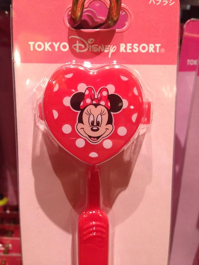 ミニーちゃんのマスコット付きハブラシが600円→400円になっています