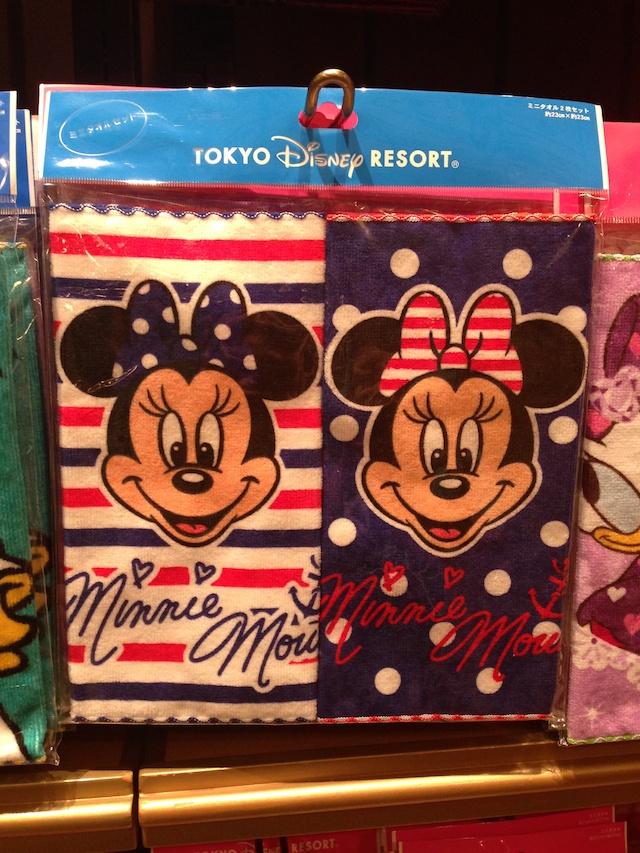 ミニーちゃんのミニタオル2枚セットが800円→500円になっています