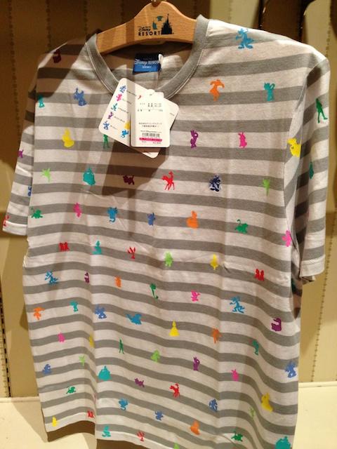 ミッキーのボーダーのTシャツが2900円→1700円になっています