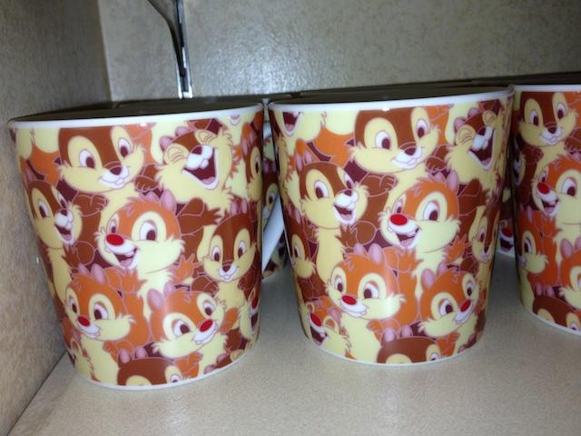 チップとデールの総柄のカップが950円→500円になっています