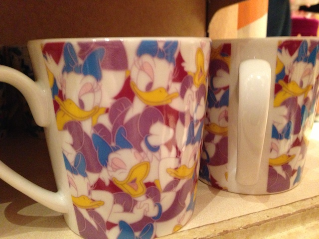 デイジーの総柄のカップが950円→500円になっています