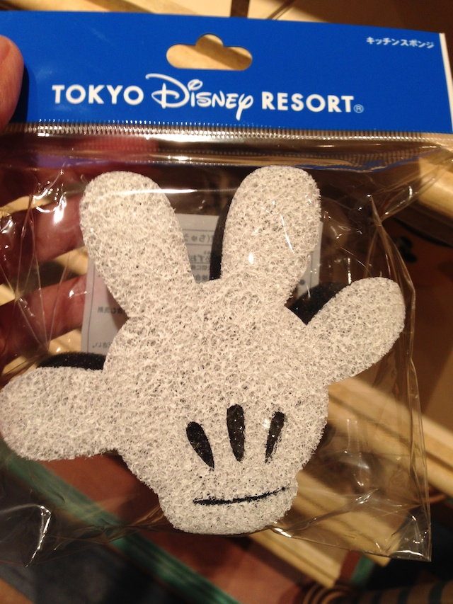 ミッキーの手の形をしたキッチンスポンジが480円→250円になっています