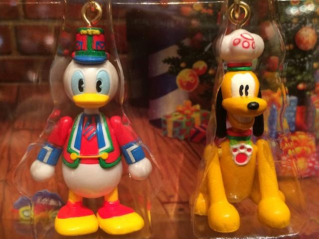 クリスマスファンタジー2013ストラップ4本セットイヤホンジャック付きが2000円→1400円になっています