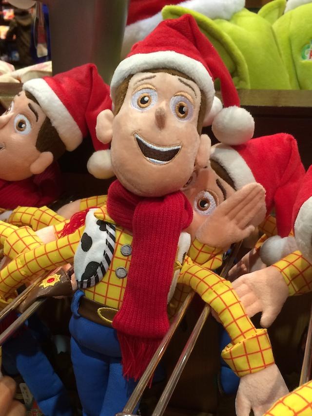 クリスマス2013トイ・ストーリー、ウッディとバズのぬいぐるみが2400円→1600円になっています