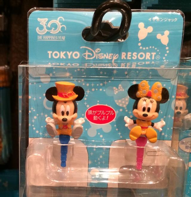 30周年ミッキーとミニーちゃんのイヤホンジャックが1200円→850円になっています