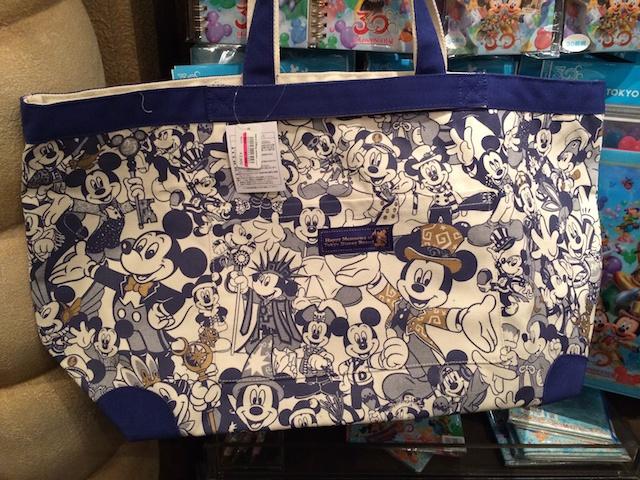 30周年ヒストリートートバッグが3900円→2500円になっています