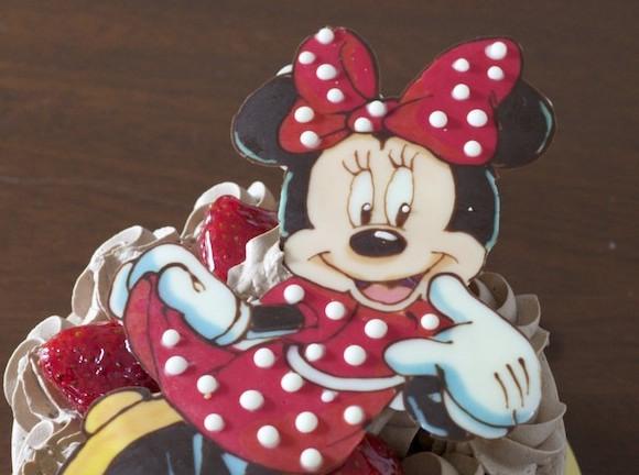 【これ可愛い】ミニーちゃんのバースデイケーキで誕生日を祝う