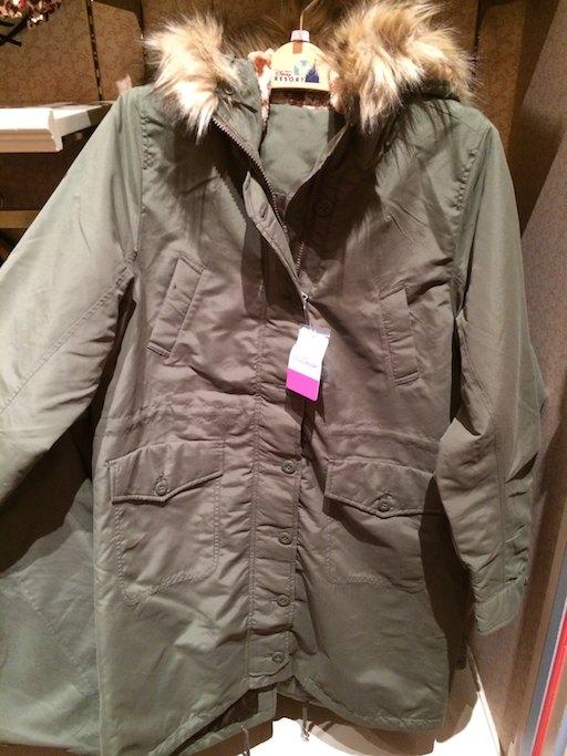 ボア部分がヒョウ柄ミニーちゃんになっているカーキのコートが9300円→4700円になっています