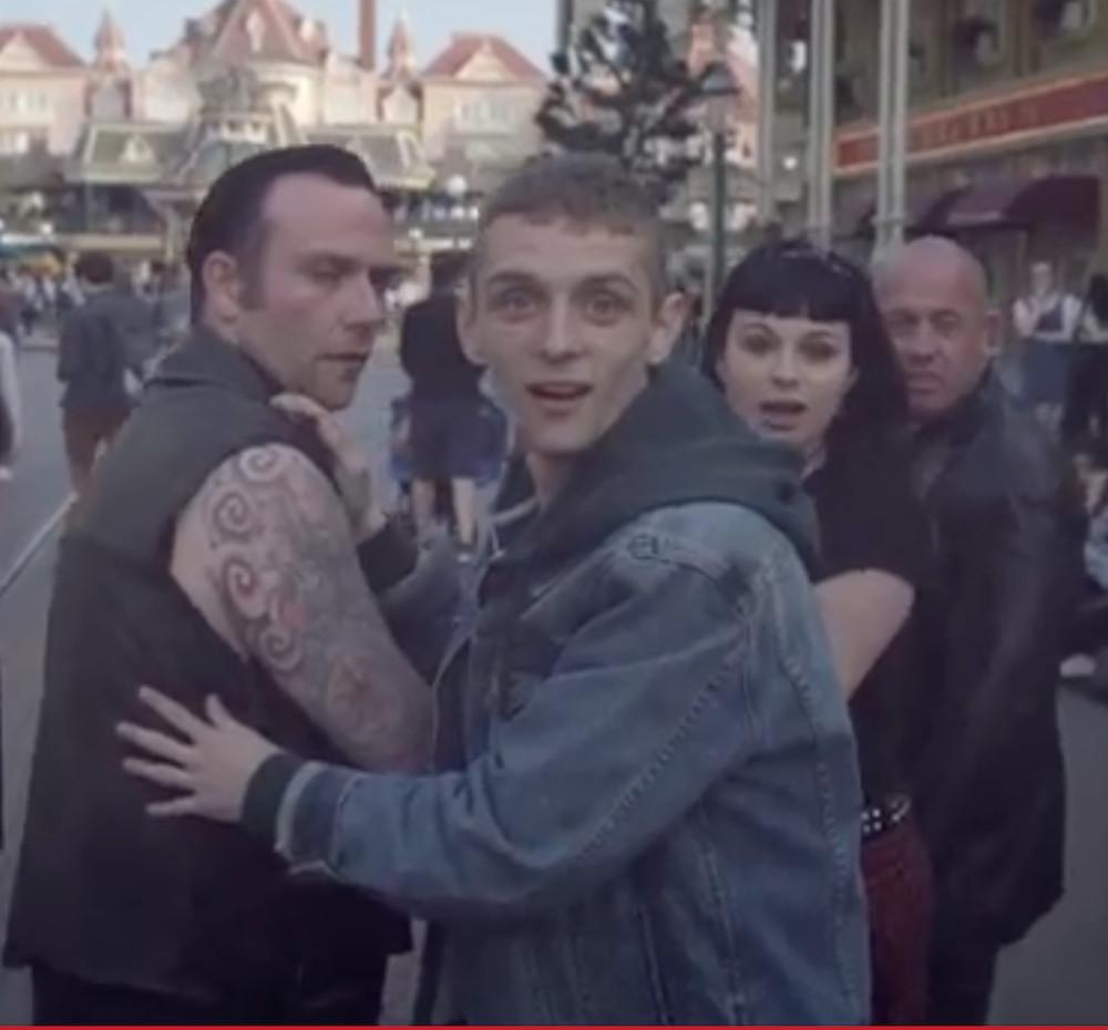 感動! ディズニーランドパリを訪れた「悪ガキ」たちの動画が公開